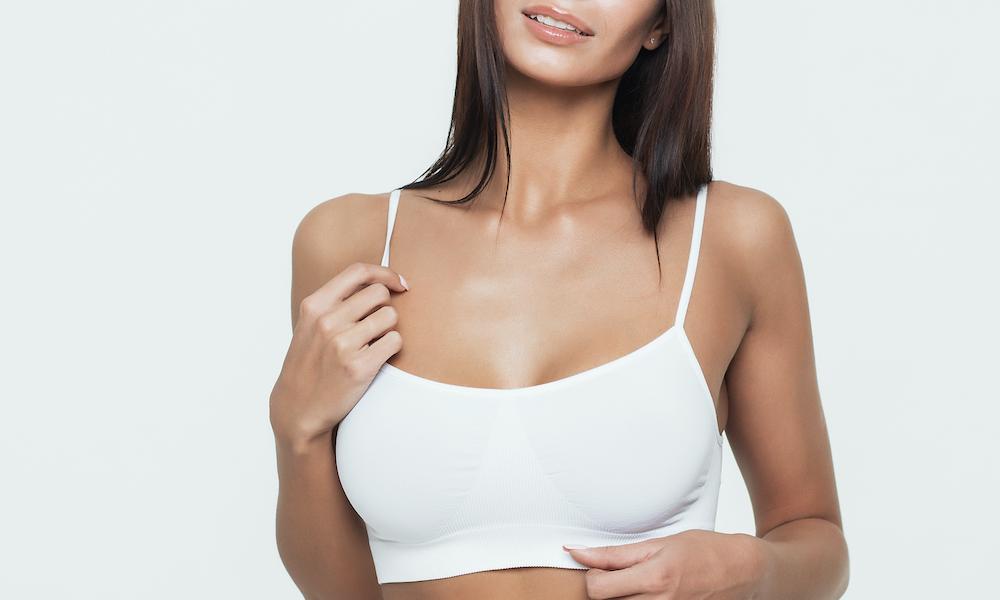 Cirugía de mamas: ¿Es un riesgo para las adolescentes?
